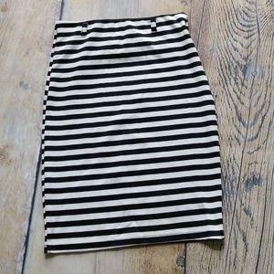 Dresses & Skirts - Black & white striped fitted skirt